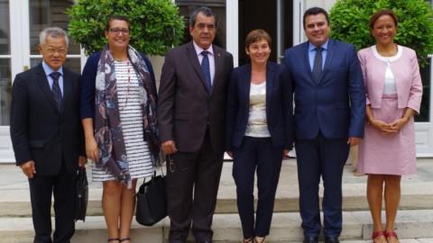 A Paris, le président Edouard Fritch et Annick Girardin évoquent les assises de l'Outre mer et le toilettage du statut d'autonomie