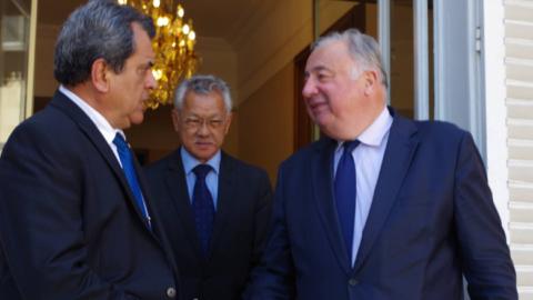 """Gérard Larcher : """"La Polynésie française a contribué à la défense de toute l'Europe"""""""