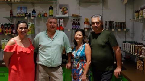 Stage en entreprise : Caroline Tang rencontre Yves Touboul