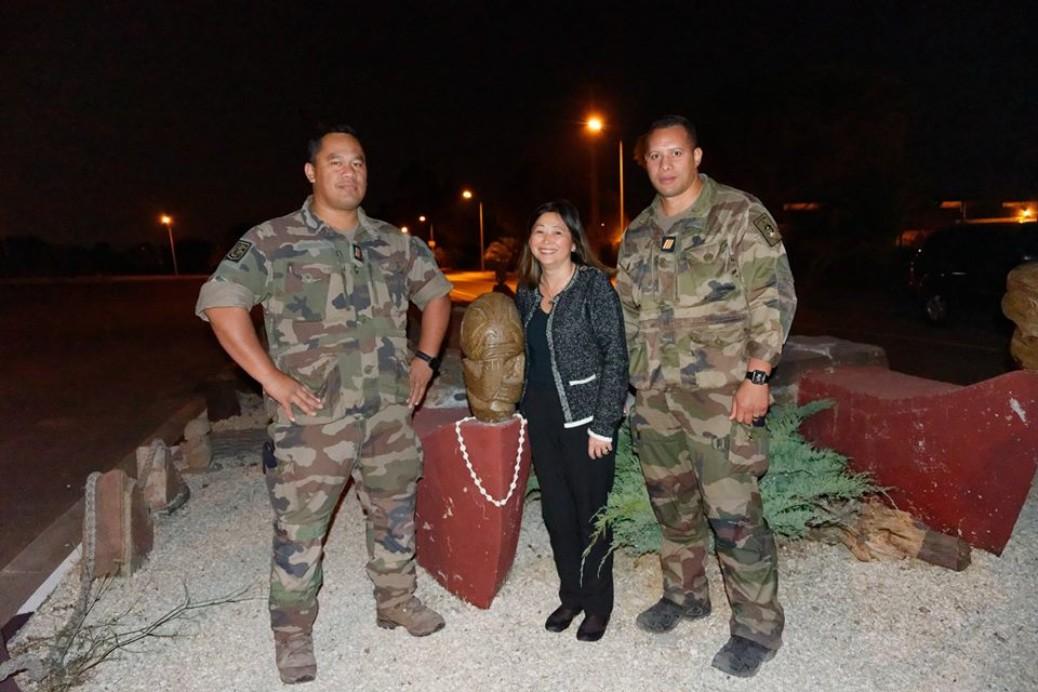 Caroline Tang rencontre les militaires polynésiens de l'association Les Tama du 21